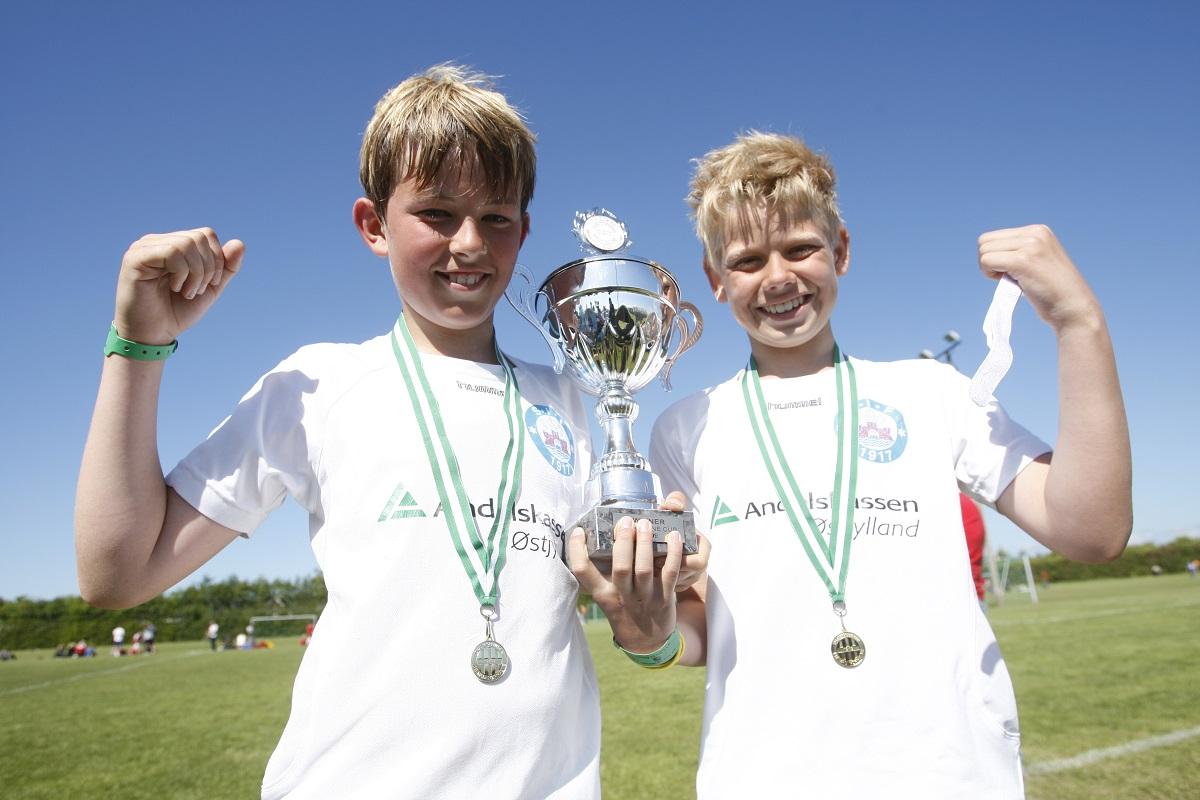 Pokale und Medaillen dürfen auch beim SOCCACUP Lago di Garda als Turnierandenken nicht fehlen.